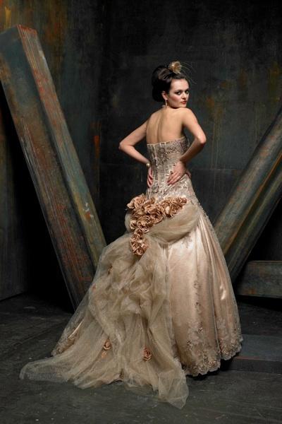 St Pucchi Wedding Dress Weddings Dresses